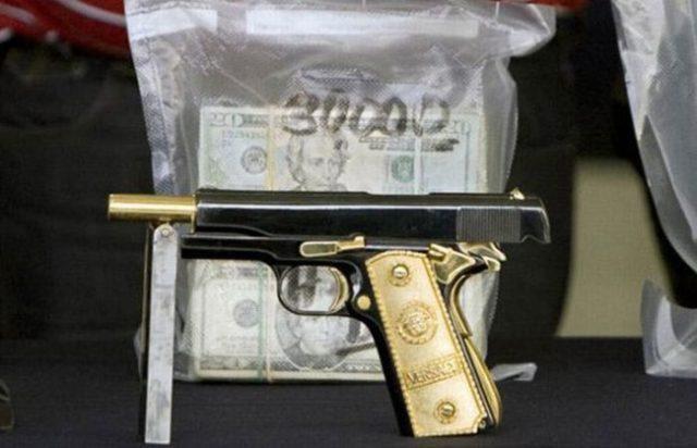 Золоченый пистолет. Обыск в доме мексиканского наркобарона
