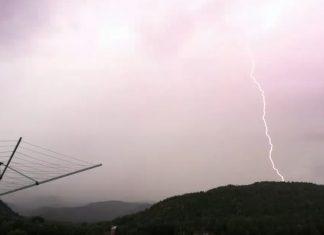Норвежец чуть не попал под удар молнии